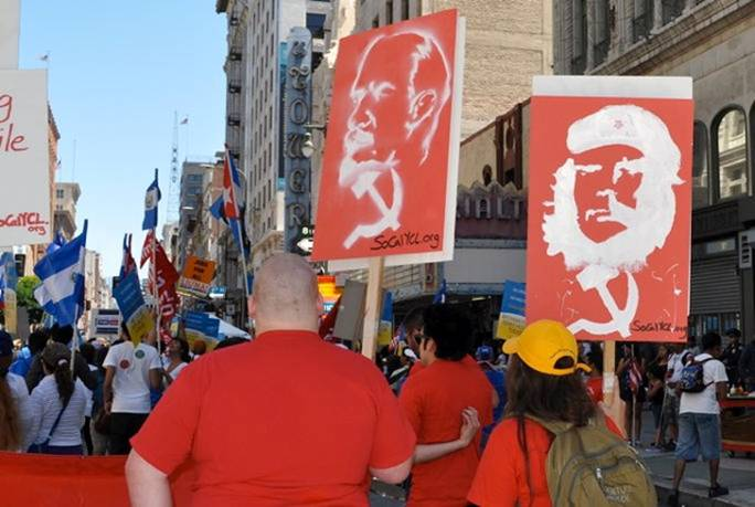 Obama Supporters Unbelievable Photos Of Obama Supporters Marching Arm In Arm With Communists In California