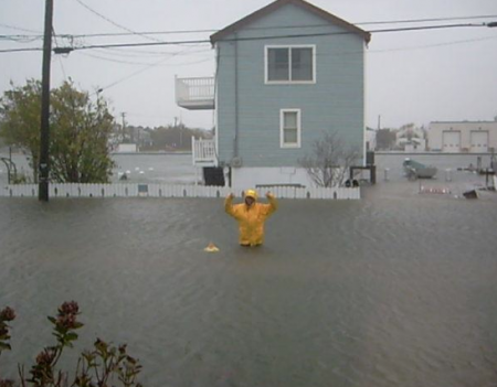 Hurricane Sandy Flooding In Atlantic City 450x351 11 Horrifying Photos Of The Devastation Caused By Hurricane Sandy