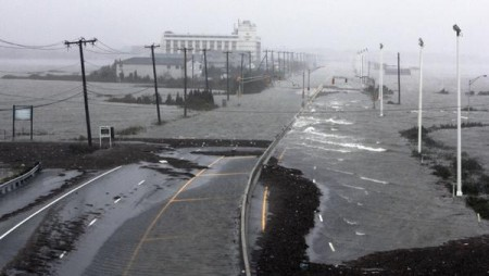 Hurricane Sandy The Road To Atlantic City 450x254 11 Horrifying Photos Of The Devastation Caused By Hurricane Sandy