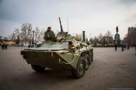 Russian Military Vehicle In The Main Square Of Sevastopol 450x299 Russian Troops Take Up Positions In Sevastopol As Ukraine Teeters On The Brink Of Civil War