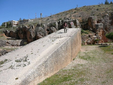 Baalbek Stone 450x337 Newly Found Megalithic Ruins In Russia Contain The Largest Blocks Of Stone Ever Discovered